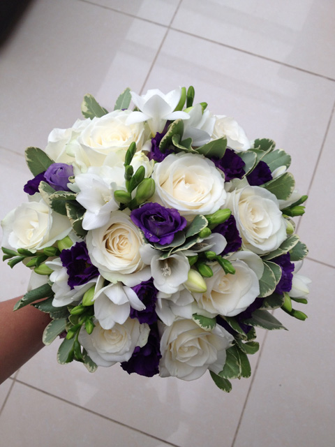 Bride & Bridesmaids Bouquets - Wedding Flowers ...