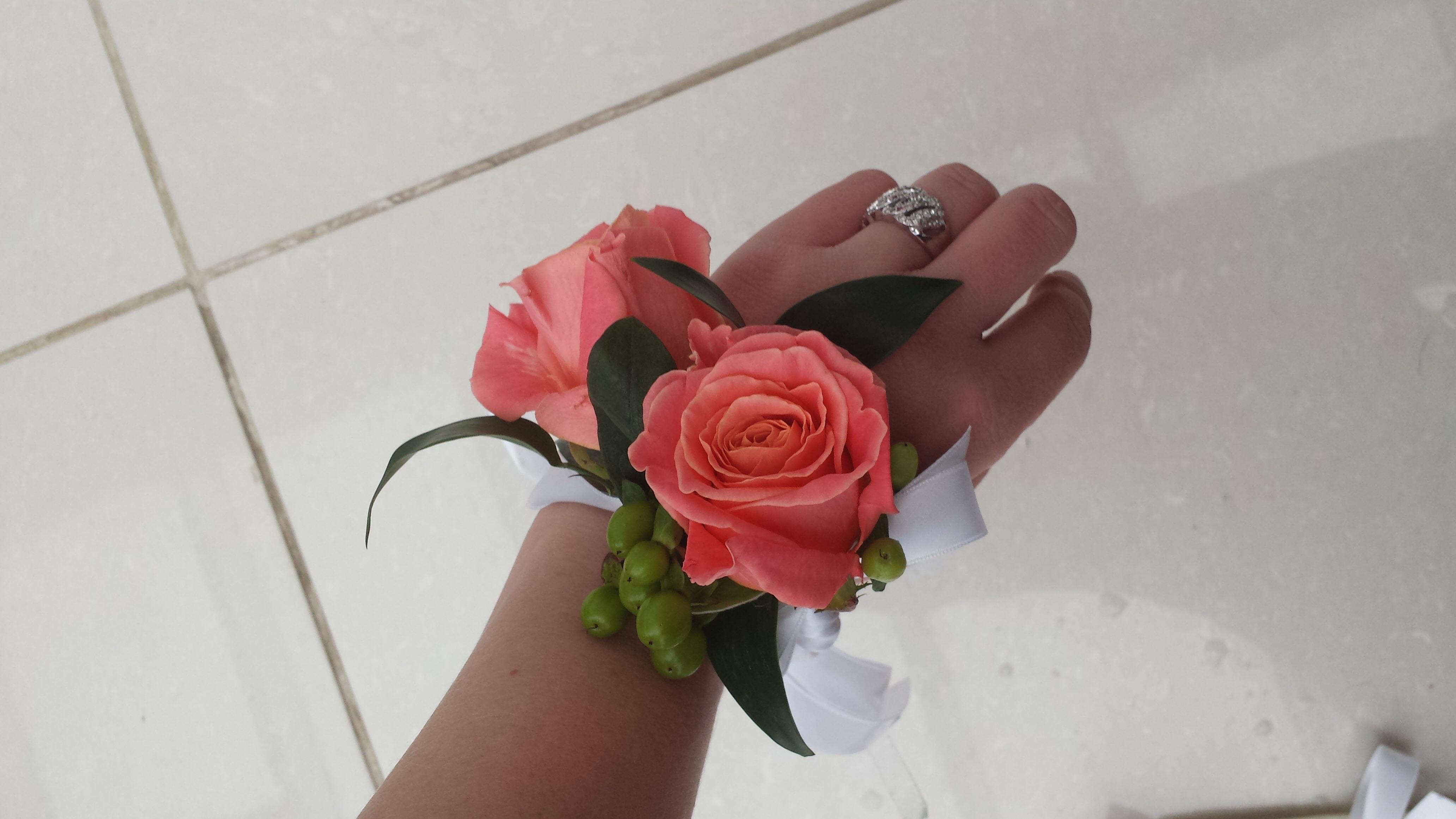 Flower Girls Flowers, Buttonholes & Ladies Corsage ...